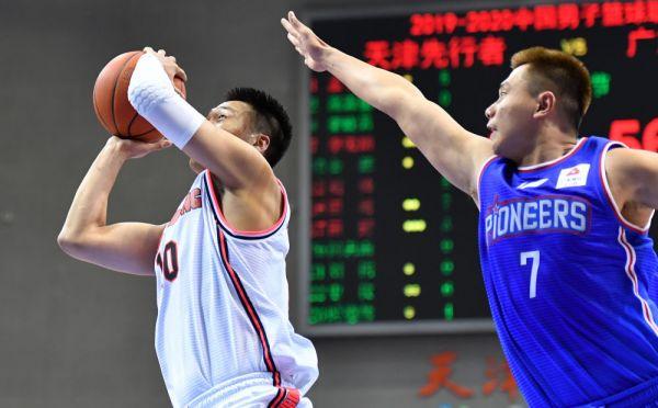 CBA联赛:广东、广厦轻松取胜,四川客场逆转山东
