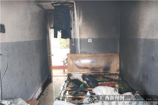 河池天峨一民房起火 所幸有惊无险