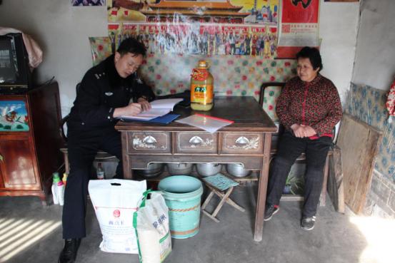 淄博市文昌湖区走访慰问送年货 扶贫助困过好年
